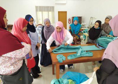 projek jahitan ppe MERCY Malaysia 5