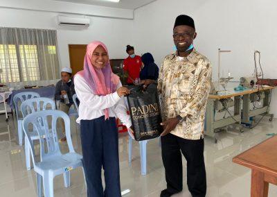 projek jahitan ppe MERCY Malaysia 7